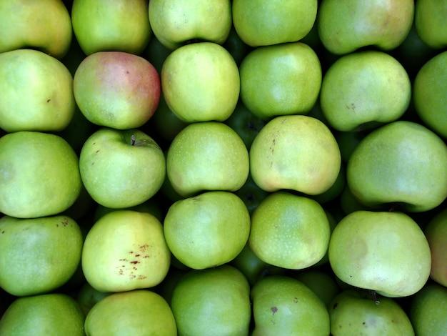 Зеленые яблоки фон. здоровая пища