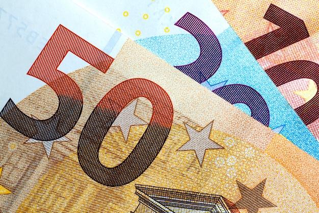 カラフルなユーロのお金のクローズアップ。ユーロのお金の背景。