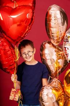 メガネで面白い子供男の子