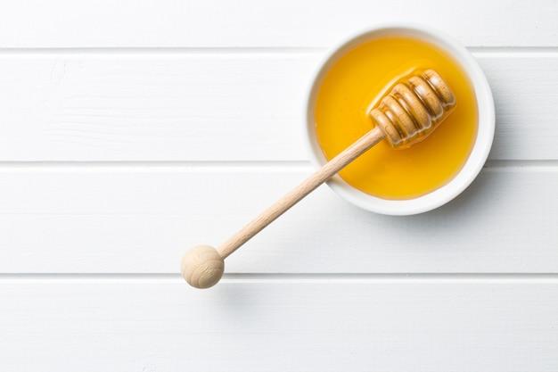 ハチミツと蜂の巣に便利な楽しいデザート