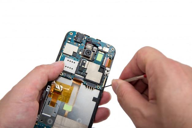 スマートフォンの修理。