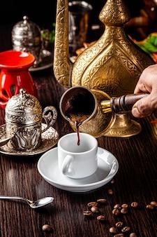 Арабский черный кофе
