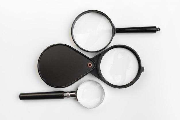 分離された虫眼鏡