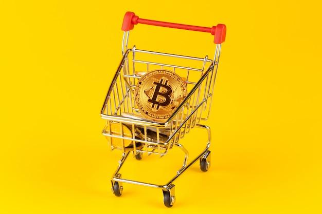 ミニショッピングカート内のビットコインコイン
