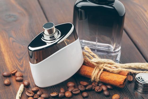 木製の異なる香水瓶