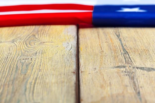 Флаг соединенных штатов америки. сша праздник ветеранов, мемориал, день независимости и труда.