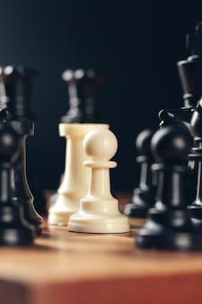 ボード上のビジネスコンセプトのチェス
