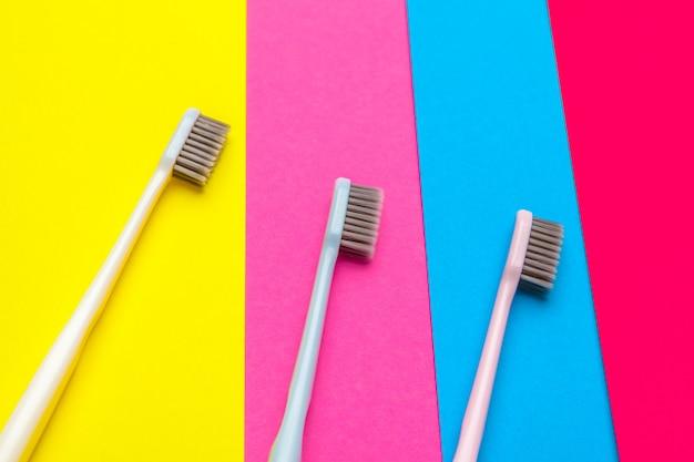 手動歯ブラシでフラットレイアウト構成、クローズアップ