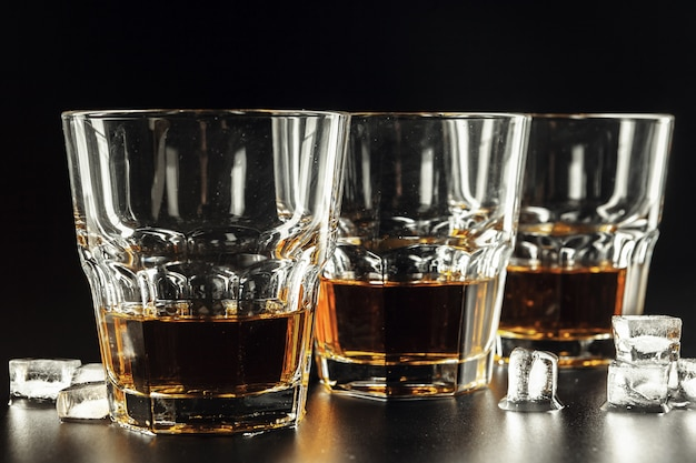 ウイスキーとアイス