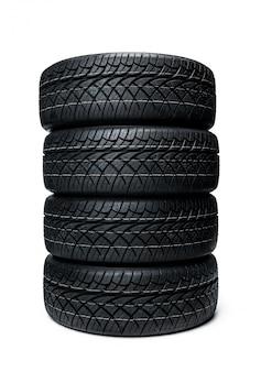 Автомобильные шины на белой поверхности