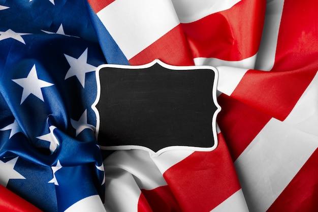 アメリカの国旗の背景の空白のフレーム