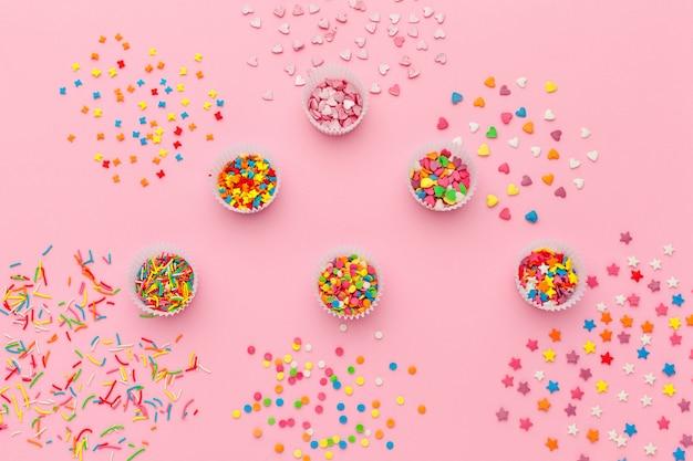 Различные сахарные брызги, еда фон с копией пространства