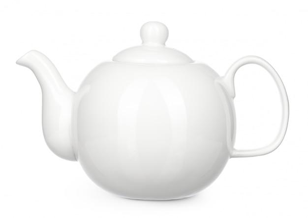 Белый керамический чайник изолировать на белом фоне