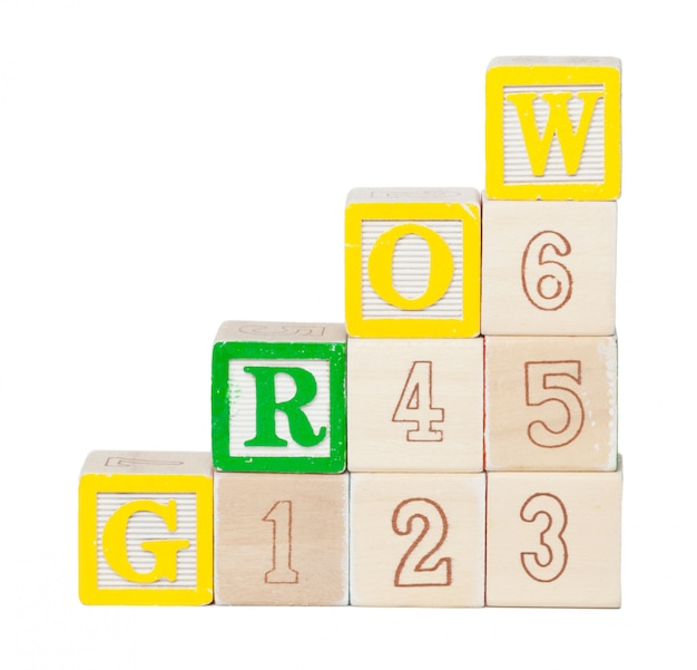 分離された木製アルファベットブロック