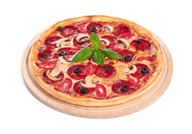 おいしいピザが分離されています