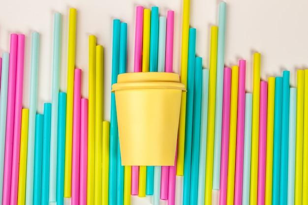 色の飲料清涼飲料用のカラフルなストロー