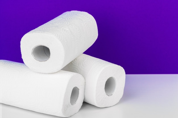 Рулон бумажного полотенца