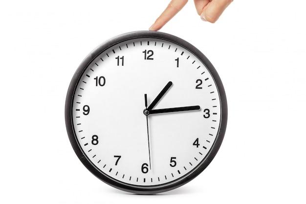 Часы в руках на белом