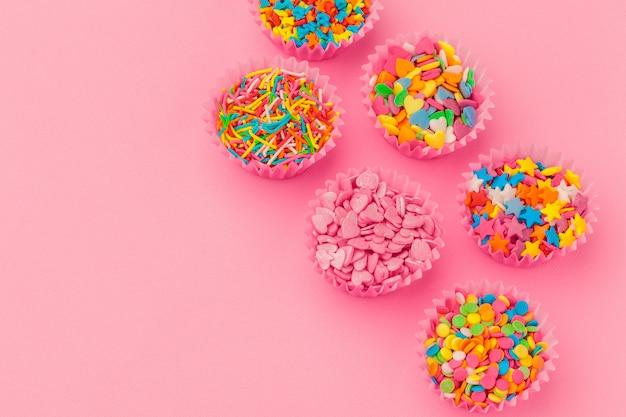 カラフルな砂糖の振りかける