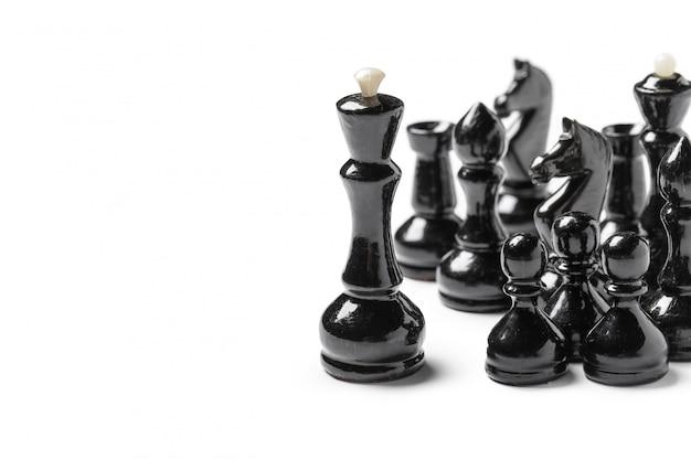 白い背景で隔離のチェスの駒