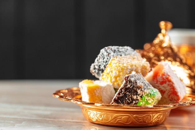 Вкусные красочные турецкие деликатесы