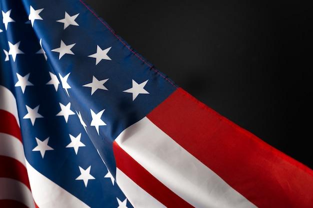 Старинный американский флаг на доске с пространством для текста