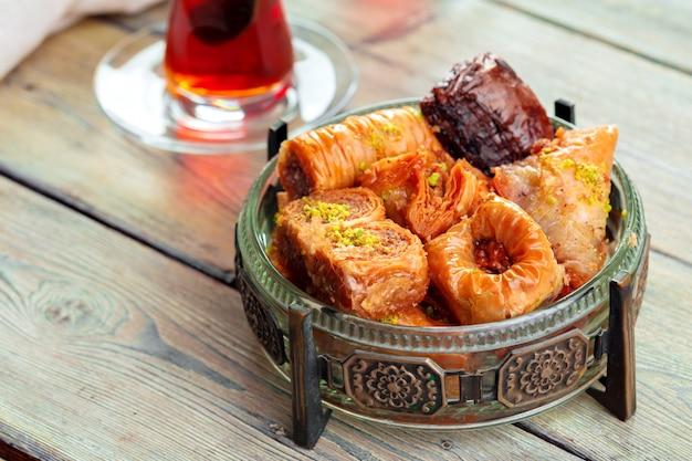 Традиционный пахлавный десерт