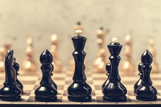ボード上のチェスの駒