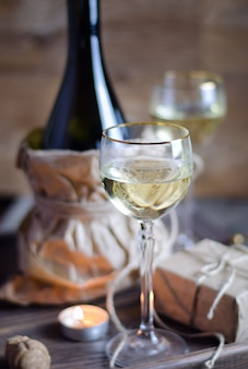 Бокал с вином на романтическое свидание