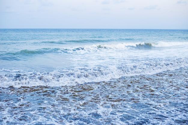 青い海-ブルガリアネセバルの美しいパノラマ