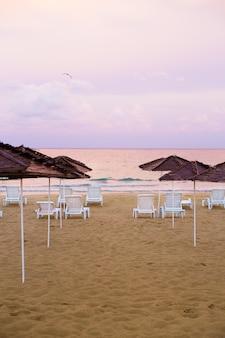 美しい海と砂浜。ブルガリア、ネセバル