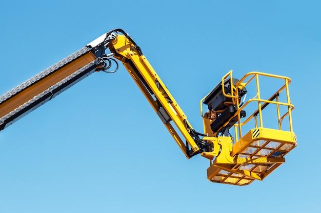 Стрела и корзина авто гидравлического приемника для строительства