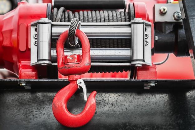 Лебедка с крюком для самозатягивающихся машин