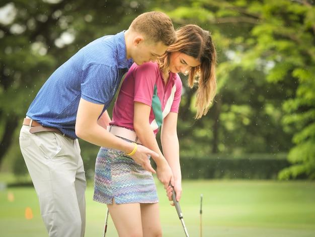 カップルのゴルフコンセプト