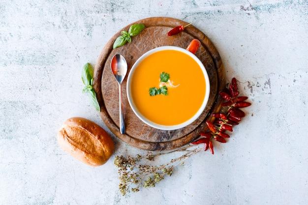 Тыквенно-морковный суп со сливками
