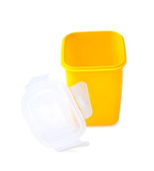 分離されたプラスチック製の食品容器