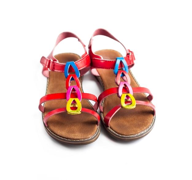 Пара разноцветных женских сандалий