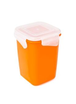 白い表面に分離されたプラスチック製の食品容器