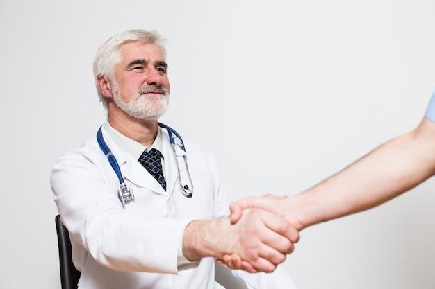 ジェスチャー年齢ビジネスワーカー病院の背景
