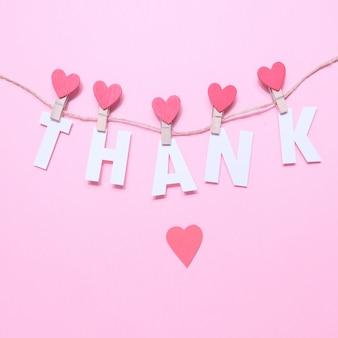 心で洗濯はさみに手紙をありがとう。コンセプトに感謝します。