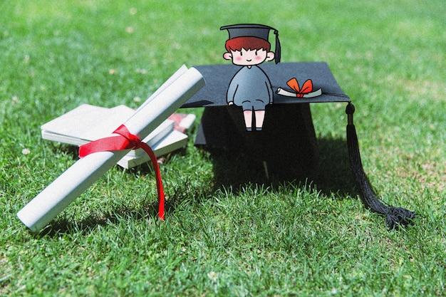 少年の手描きの卒業生