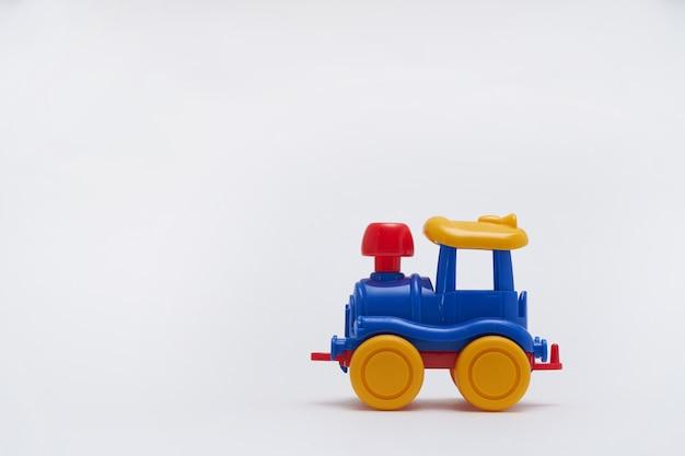 分離されたおもちゃの車