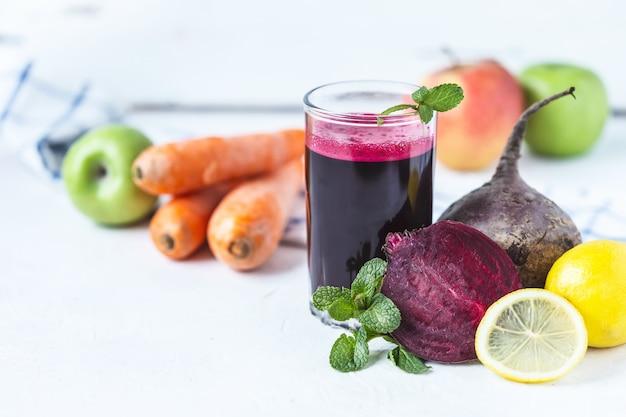 自家製野菜のフレッシュジュース