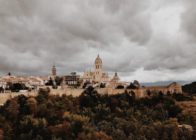 Сеговия, испания в бурный день