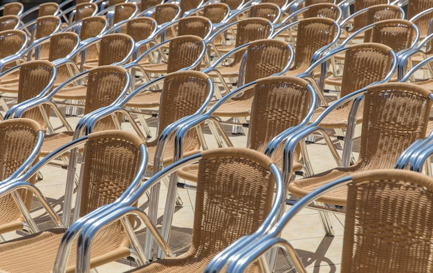 Линия стульев
