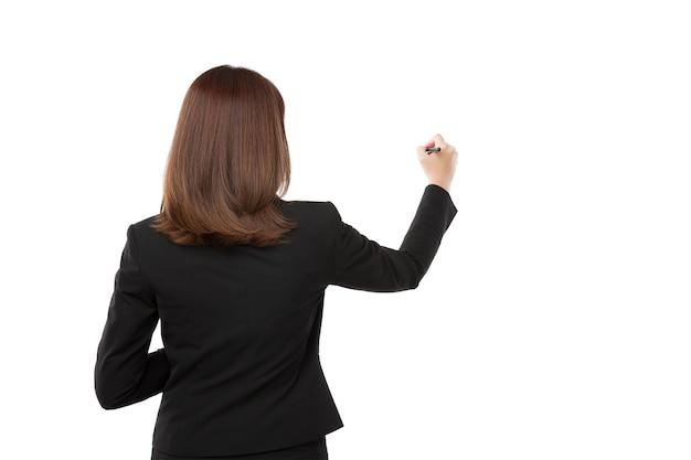 Женская рука готова к написанию с маркером, изолированных на белом