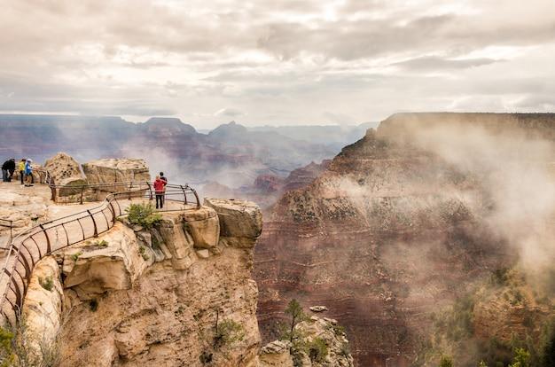米国アリゾナ州グランドキャニオンの眺め