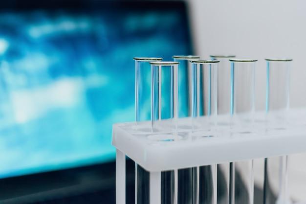 Научные лабораторные пробирки