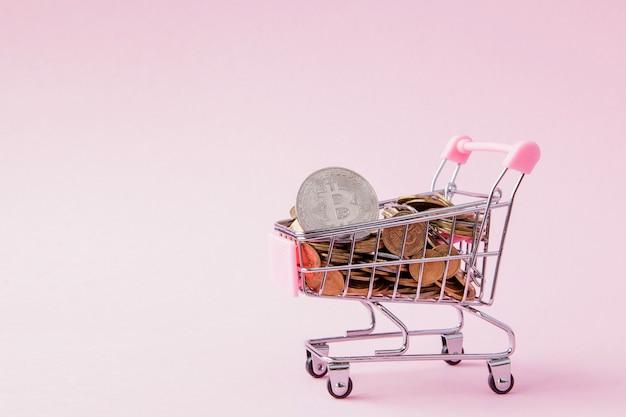 ショッピングカート内のビットコインとコイン