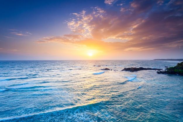 夕日の海。